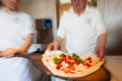 photo locations in Naples & the Amalfi Coast - Naples –Pizzeria 50 Kalò Food Photography