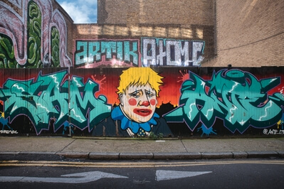 photos of London - Brick Lane Graffiti - Fashion Street