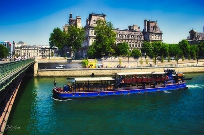 photo locations in Ile De France - City Hall, Paris (view from Pont d'Arcole)