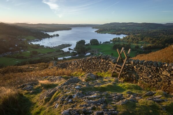 A sunrise view over Windermere from Loughrigg.