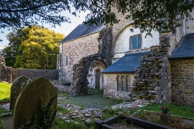 photos of South Wales - Ewenny Priory