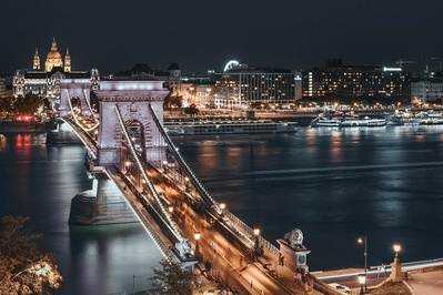 Hungary photography spots - Széchenyi Chain Bridge from Hotel Clark