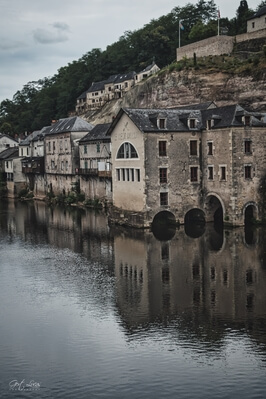 Medieval houses on the river bank in Terrasson-Lavilledieu (looking upstream from the bridge)