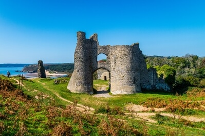 South Wales photography spots - Pennard Castle