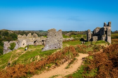 photos of South Wales - Pennard Castle