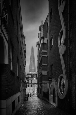 pictures of London - Lovat Lane