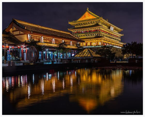 Reflecting lights of the drum tower