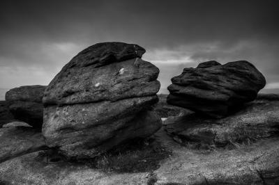 photo spots in Derbyshire - Kissing Stones (Wain Stones)