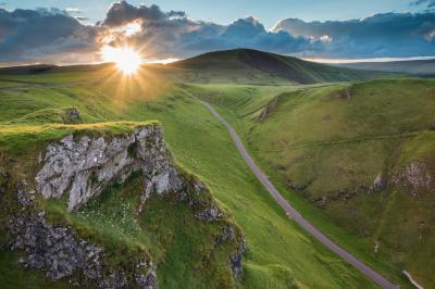 photo locations in England - Winnats Pass