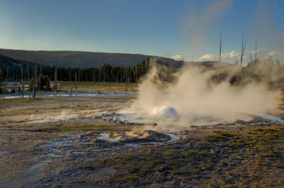 images of Yellowstone National Park - Spouter Geyser – Black Sand Basin