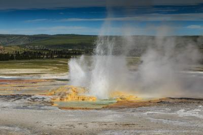 pictures of Yellowstone National Park - FPP - Clepsydra Geyser