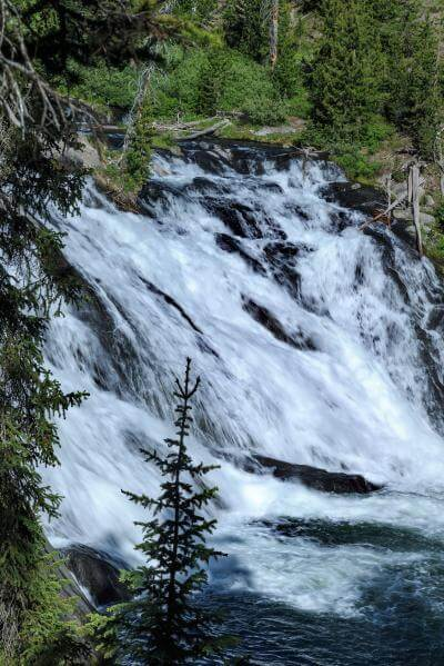 photos of Yellowstone National Park - Lewis Falls