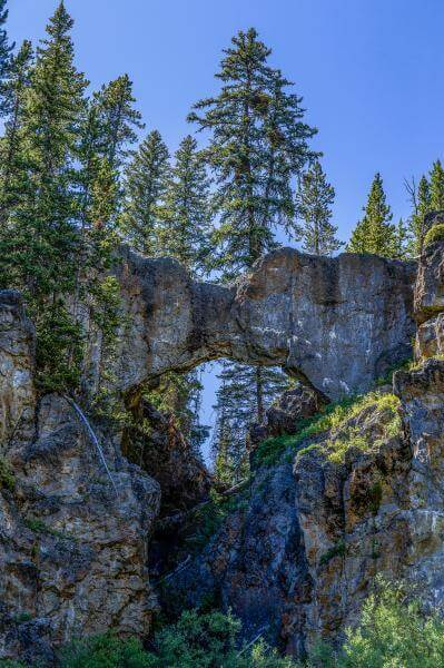 images of Yellowstone National Park - Natural Bridge