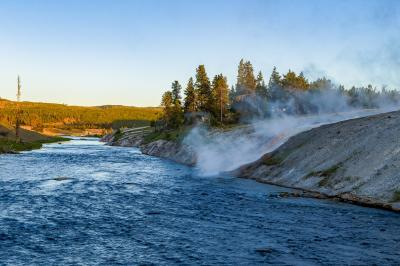 photos of Yellowstone National Park - MGB - Firehole River