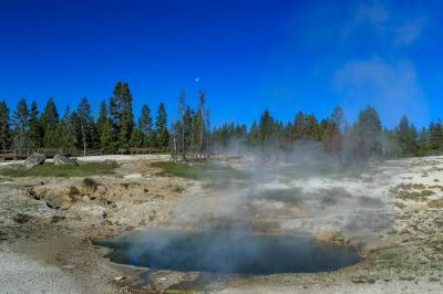 photos of Yellowstone National Park - WTGB - Lakeside Spring