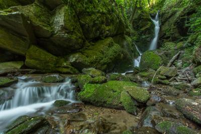 images of Bulgaria - Leshnishki waterfall