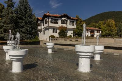 images of Bulgaria - Kalofer Town Centre