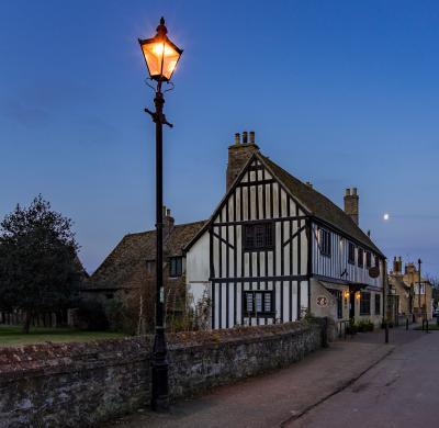 photo spots in England - Oliver Cromwell's House, Ely