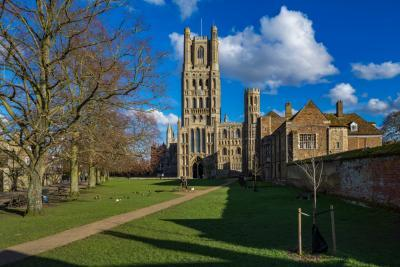 instagram spots in England - Ely Cathedral from Palace Green