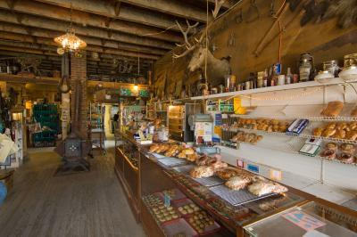 Montana photo locations - Polebridge Mercantile