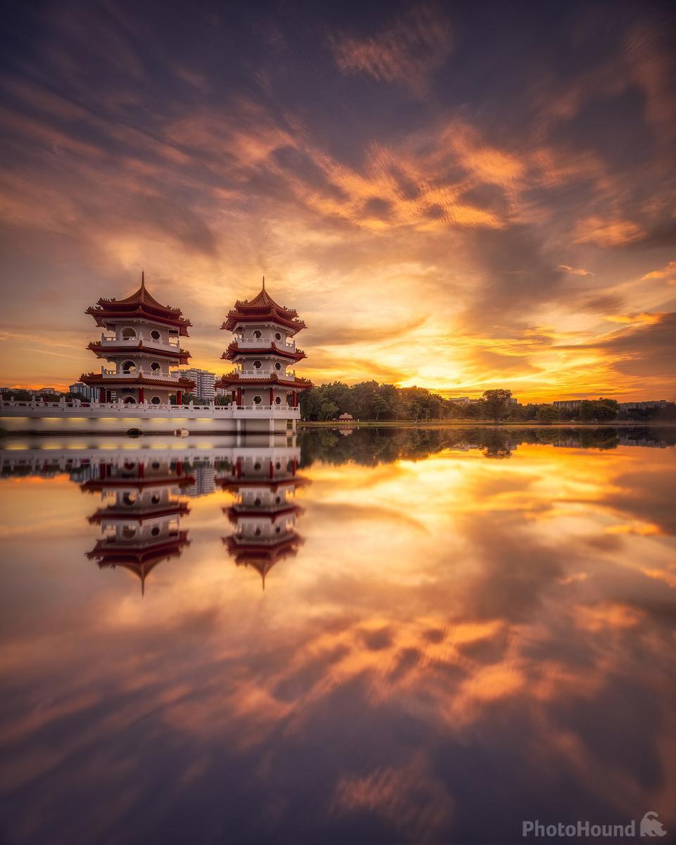 chinese garden twin pagodas photo spot | singapore | photohound