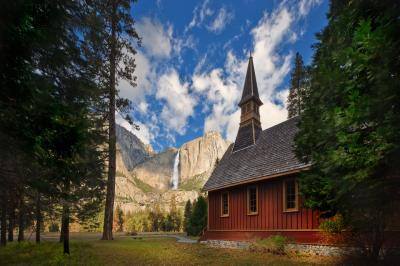 California instagram spots - Yosemite Chapel