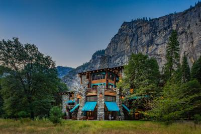 California photography spots - Ahwahnee Hotel