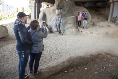 photos of Seattle - The Fremont Troll
