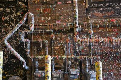 images of Seattle - The Gum Wall