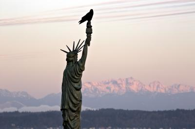 pictures of Seattle - The Statue of Liberty at Alki Beach Park