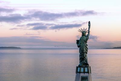 images of Seattle - The Statue of Liberty at Alki Beach Park