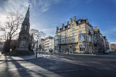 instagram locations in Oxfordshire - The Randolph Hotel