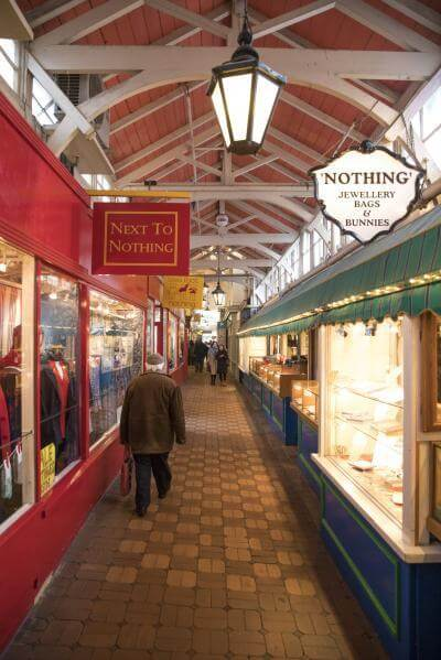 photo spots in Oxfordshire - The Covered Market