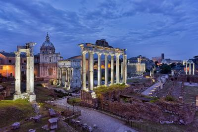 Rome photo locations - Foro Romano Overlook
