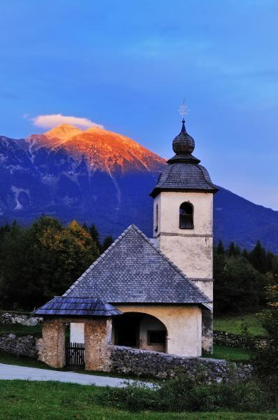 photos of Lakes Bled & Bohinj - St Catherine's Church at Hom Hill
