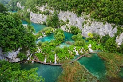 Plitvice Lakes National Park photo locations - Rocky Cliff