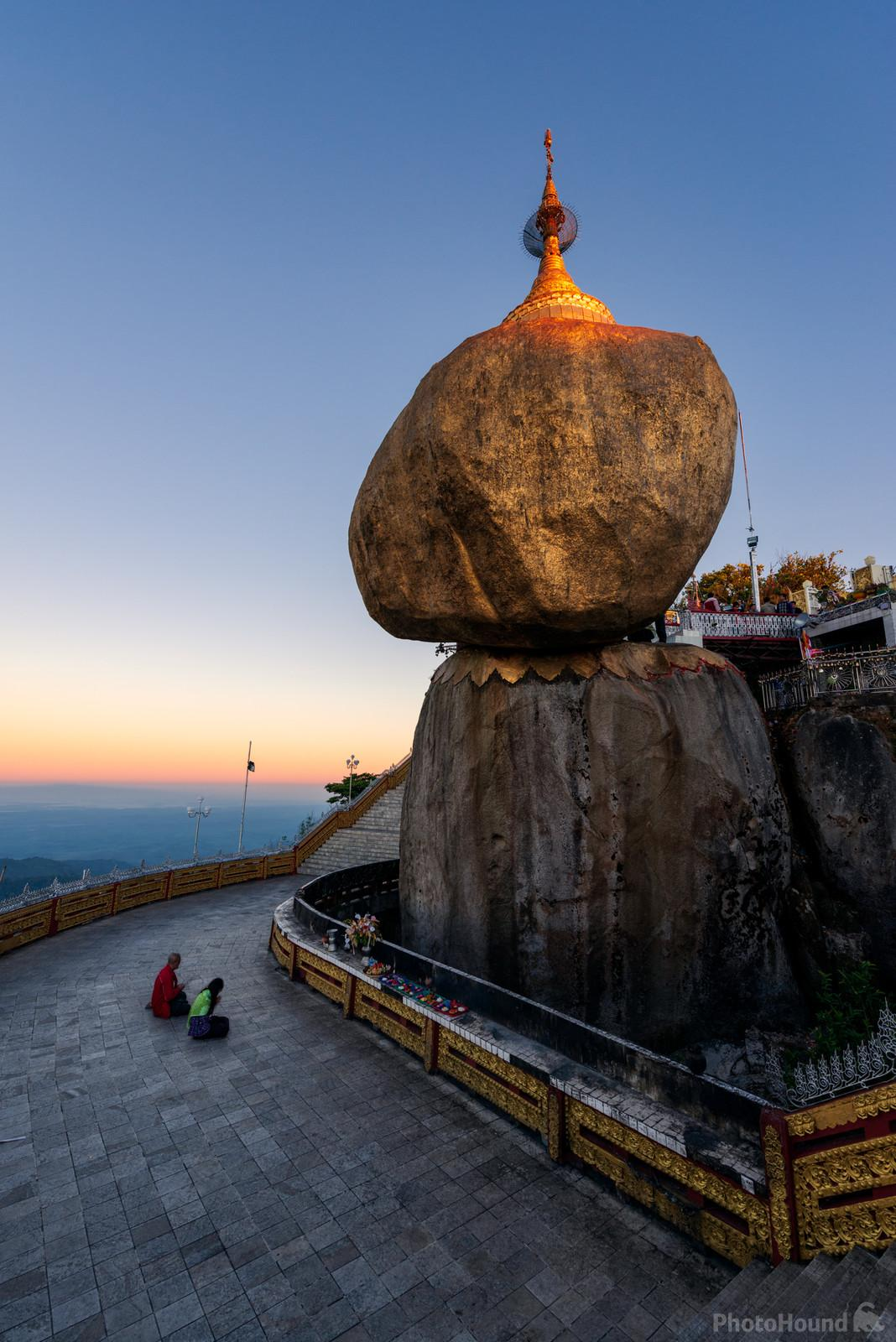 Kyaikhtiyo Pagoda (Golden Rock)
